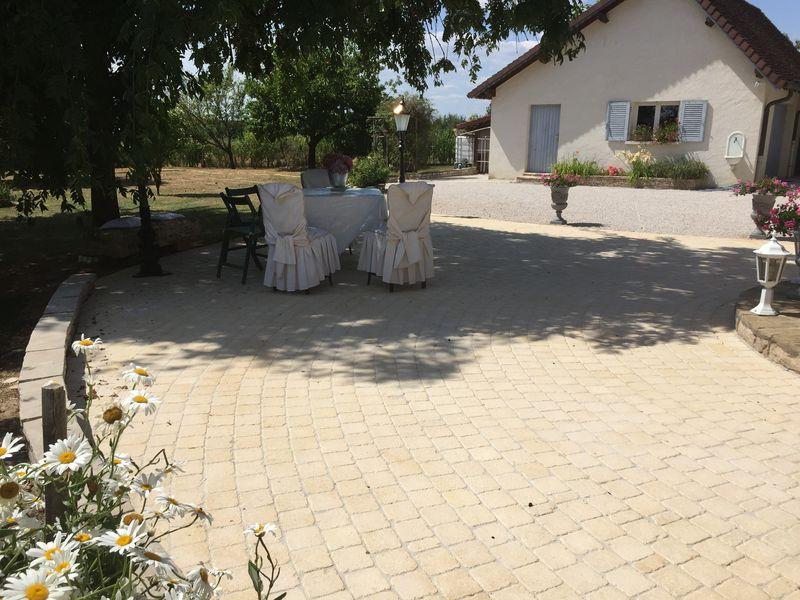 Terrasse en pavés Louhans 71
